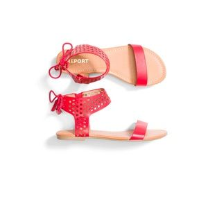 NWT Report (Stitch Fix) Genna Preforated sandal